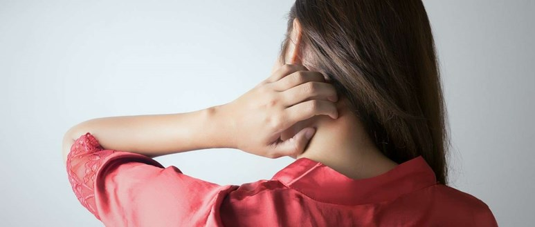 What causes itchy skin?