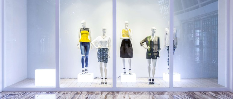 Do shrinking fashion sizes promote anorexia?