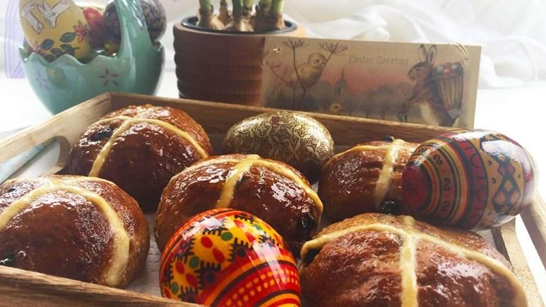 Recipe: Heart-healthy hot cross buns