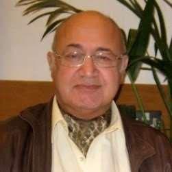 Dr Laurence Knott