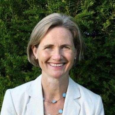 Dr Helen Huins