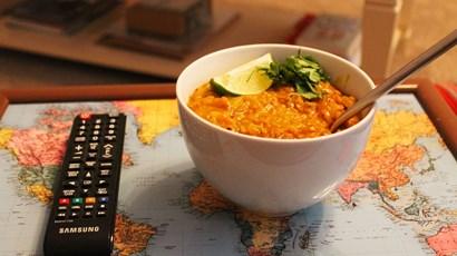 Creamy chicken korma with lentil sauce