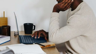 How to avoid neck, shoulder and back pain while working from home