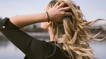 Can dandruff and an itchy scalp lead to hair loss?