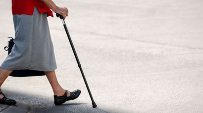 Can physiotherapy prevent falls in older people?