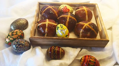 Recipe: Diabetes-friendly hot cross buns