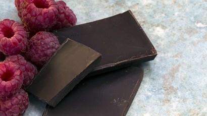 Dark chocolate-dipped berries