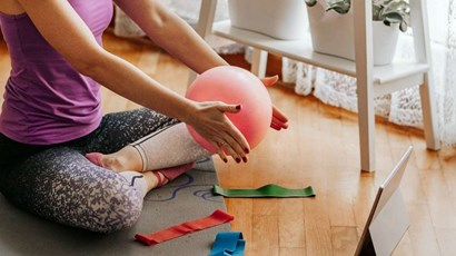 What is video physiotherapy and who can it help?