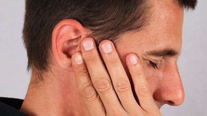Does tinnitus lead to hearing loss?