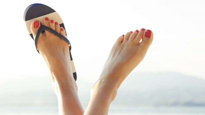 How to keep your feet healthy this summer